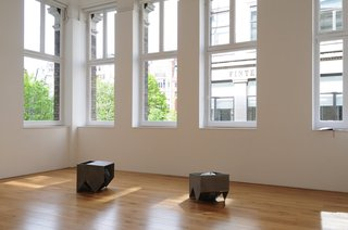 <p>Installation view,&#160;<em>Alison Wilding: Tracking</em>, March 2008</p>